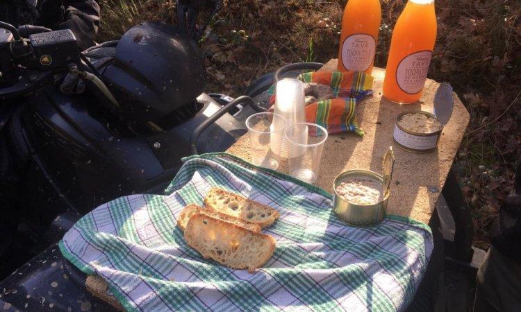 Casse-croûte de 10 h 30 dans les bois et Forêts Corrèzienne avec des produits locaux :-)